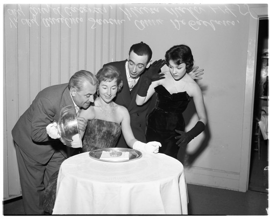International gourmet dinner set, 1958