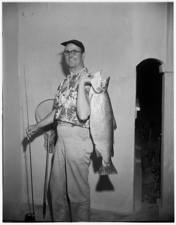 Sixteen pounds trout, 1951