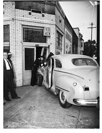 Auto accident -- 41st & Avalon Boulevard, 1951