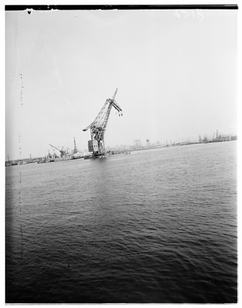 Giant former German floating crane largest in world, 1951