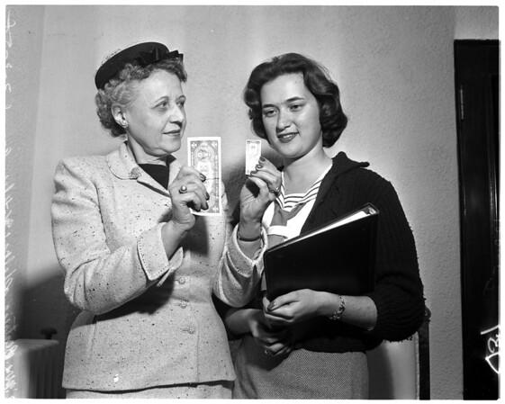 Women and money, 1958