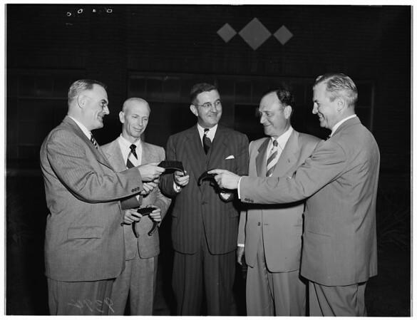 Members of Los Angeles Stock Exchange make tour, 1951