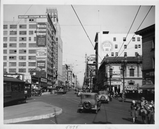 Intersection of Broadway and Tenth Street in Downtown, Los Angeles, 1929