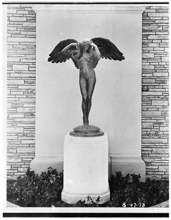 Monument representing Beryl Wallace, 1951