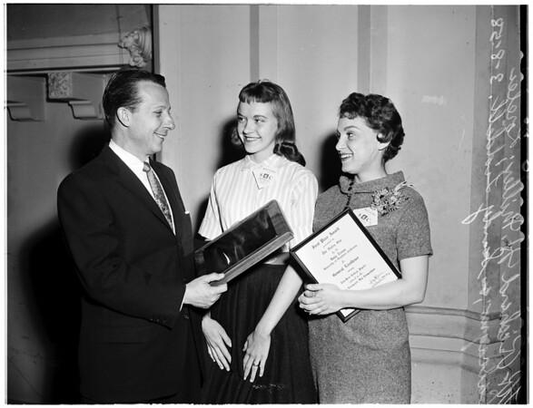 Newspaper awards (University of Southern California), 1958