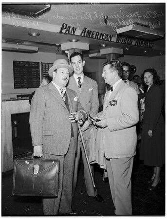 Mexican delegation to Tournament of Roses arrives in Los Angeles, 1951