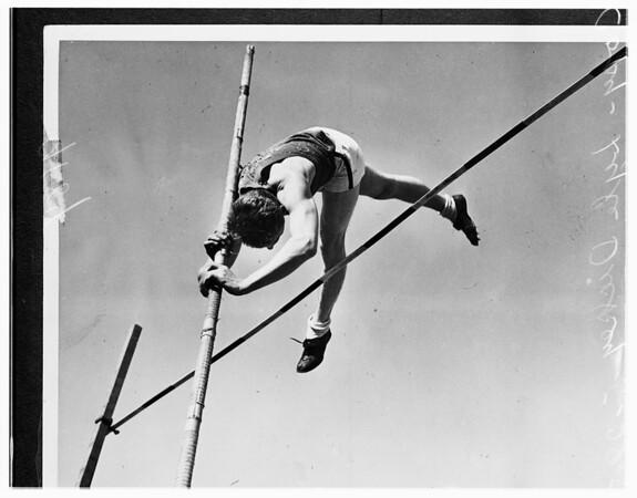 Lyle Dickey (copy), 1951