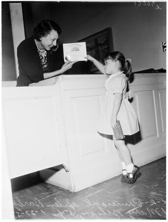 Kindergarten pre-registration at Franklin Elementary School, 1958