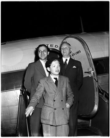 Swedish essay winner visits San Francisco on round the world trip with companions, 1952