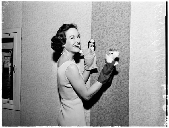 Gift show at Ambassador Hotel, 1958