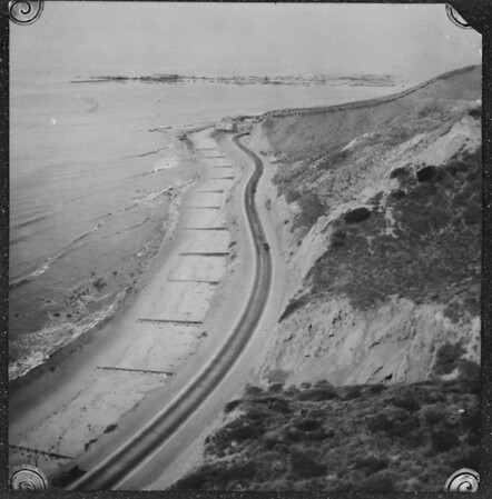 Point on Pacific Coast Highway just above Santa Ynez Canyon, facing west, [s.d.]