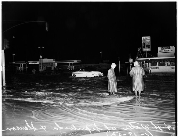 High water at Sepulveda Boulevard and Slauson Avenue, 1952
