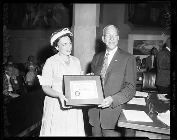 Legg honored, 1957
