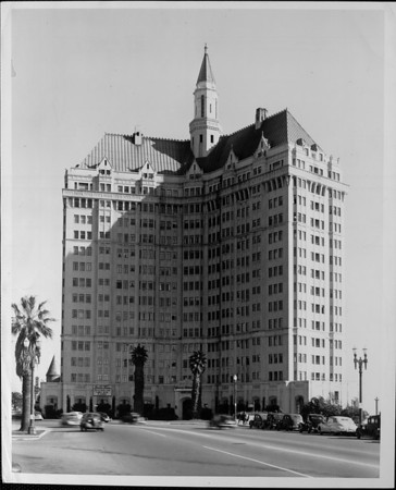 The 15-story Villa Riviera Apartment building with an octagonal pointed tower on top, Long Beach, California