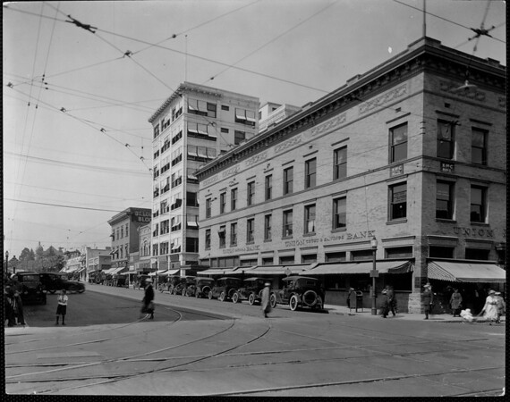 The corner of Raymond Avenue and Colorado Boulevard with the Union Trust and Savings Bank in the background