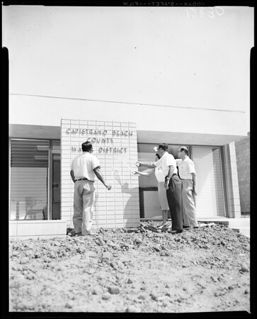 Capistrano Beach County water distrct offices opened, 1960