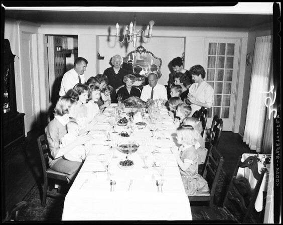 Hickey Thanksgiving dinner (19 in family), 1958