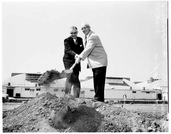 New veterans regional building site in West Los Angeles, 1959