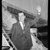 Nixon departs for Young Republicans Convention, 1961
