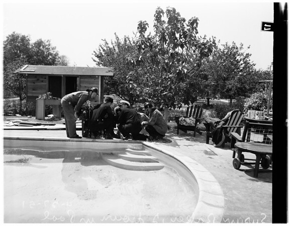 Baby drowns in swimming pool (15444 Vanowen Street Van Nuys), 1951