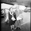 Hawaiian governor arrives via Western Air lines, 1951