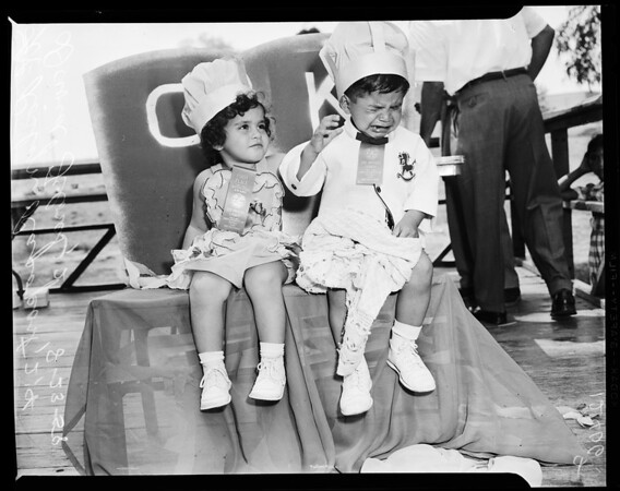 Baby contest at Belvedere County Park, 1957