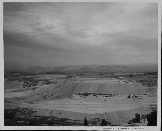 The diatomaceous earth mine on the Palos Verdes peninsula is the source of irritating powder-like dicalite dust
