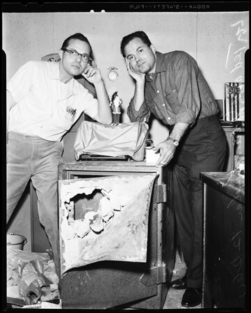 Safe blown up and robbed of $7,000, 1960