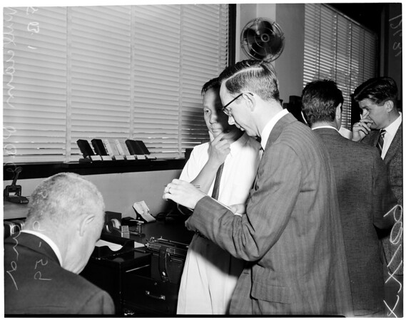 Holdup at Security First National Bank on West Pico Boulevard, 1959