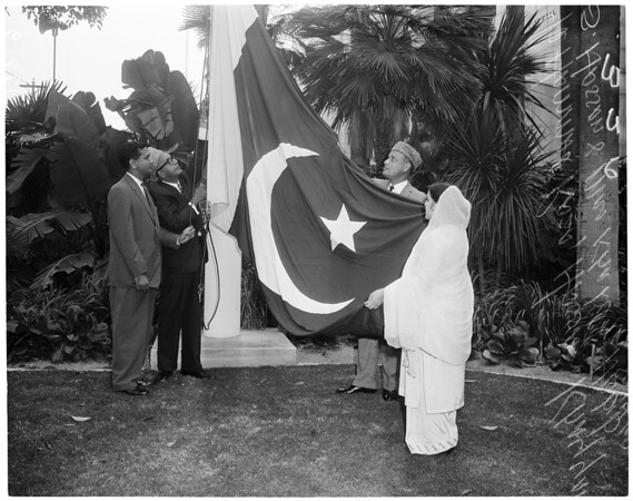 Pakistan Independence Day flag raising, 1960