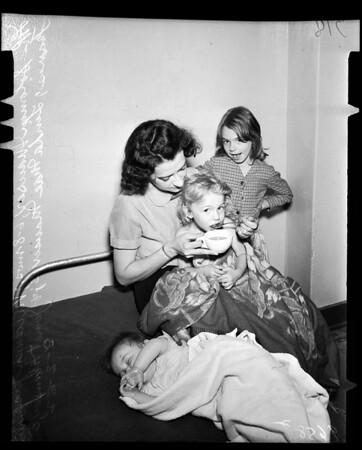 Abandoned children at 2226 1/2 Sunset Boulevard and Georgia Street, 1952