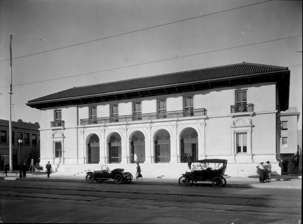 The Federal Building and Post Office in Pasadena