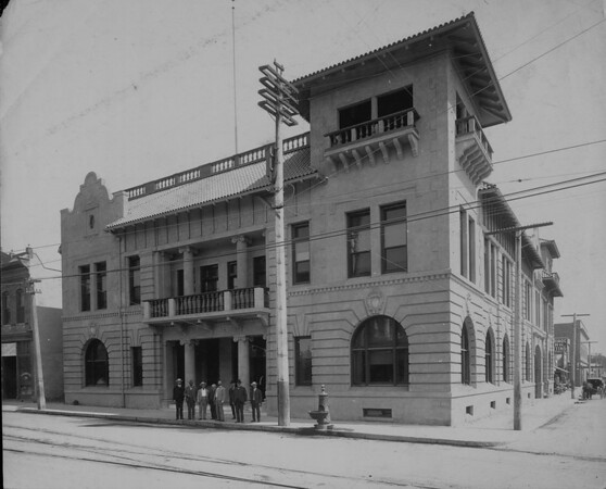 The Pasadena City Hall around the turn of the century