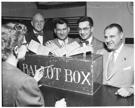 Arnebergh voters (voting absentee ballots), 1953
