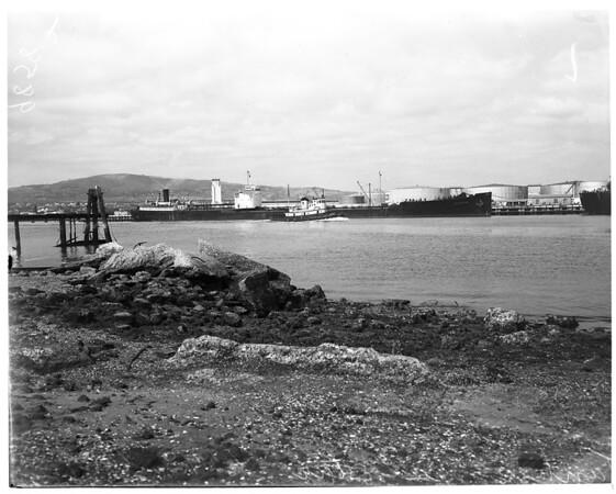 Large tanker, 1953