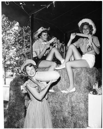 Detail 17 of 20, Riverside County Fair (Hemet), 1953