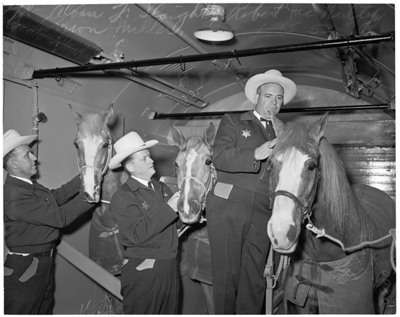 Long Beach mounted patrol, 1953