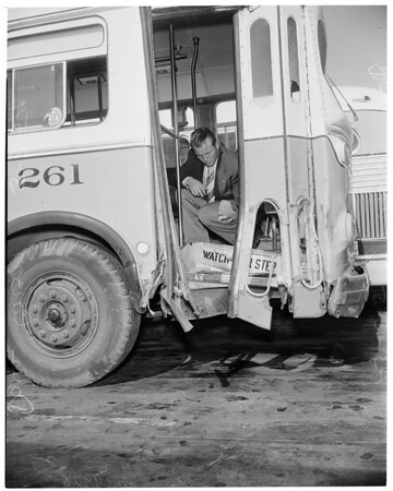 Bus accident at Century Boulevard and State Street in Lynwood (school bus), 1954