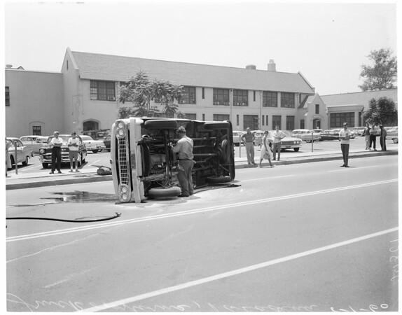 Pickup truck overturns (Pasadena), 1960