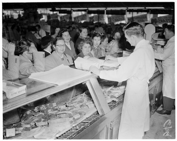 New Zealand meat (Mayfair Market), 1953
