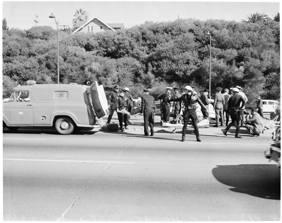 Accident -- Auto traffic accident, Hollywood Freeway and Alvarado Street, 1960