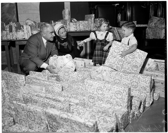Christmas party at Moose Hall, 1952