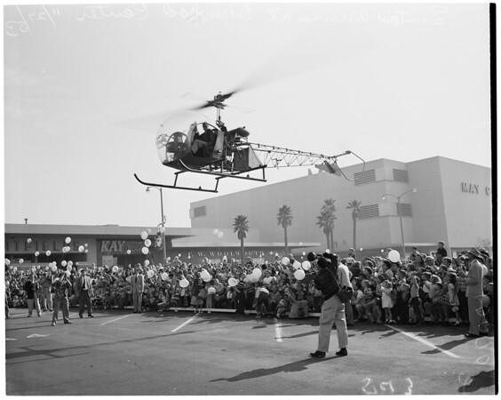 Santa arrives by helicopter at Lakewood Center, 1953