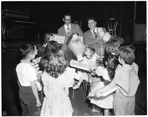 Elks Christmas party, 1953