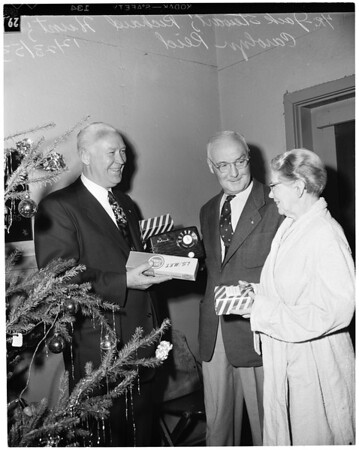 Christmas -- Veterans gifts, 1953