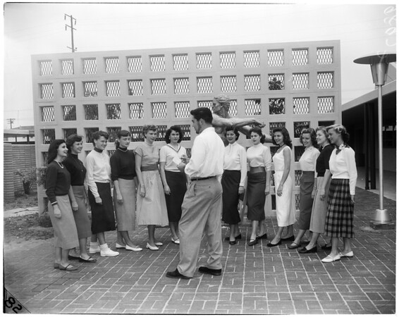 Santa Monica College queen contestants, 1953