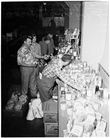 Christmas baskets for needy in La Ballona Valley, 1953