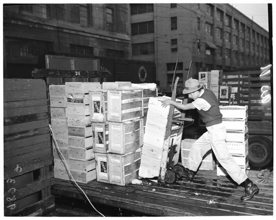 Vegetable market on Market Court, 1953