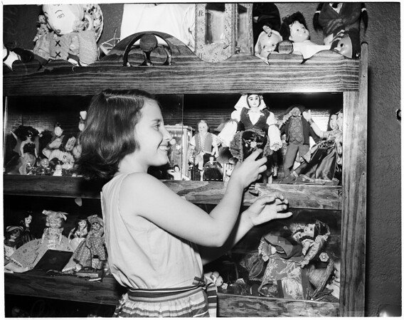 Dolls collection (133 South Edinburgh Avenue, Los Angeles, 1953