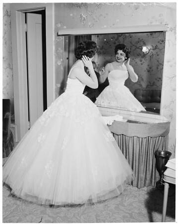 Linda Valentine, 1960